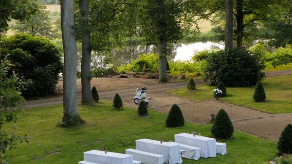 Park mit Seerondell