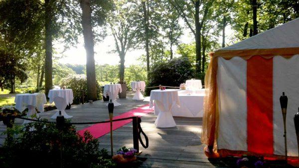 Event-Terrasse im Park
